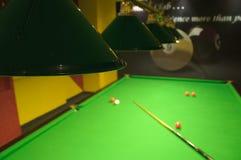 De lijst van de snooker in een club royalty-vrije stock afbeeldingen