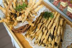 De Lijst van de het Huwelijksgebeurtenis van het cateringsvoedsel Buffetlijn in Huwelijk Heerlijk voorgerechtclose-up stock fotografie
