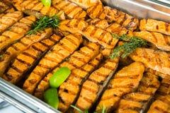 De Lijst van de het Huwelijksgebeurtenis van het cateringsvoedsel Buffetlijn in Huwelijk Heerlijk voorgerechtclose-up stock afbeeldingen