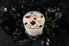 De Likeur van de koffieroom van brandewijn en whisky royalty-vrije stock afbeelding