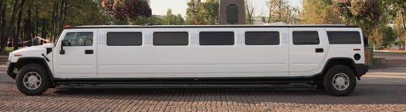 De limousine van het huwelijk royalty-vrije stock afbeeldingen