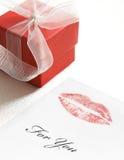 De lippenstiftkus van de valentijnskaart Stock Foto's