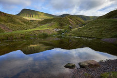 De Llyny ventilator fach, het Welse meer in Brecon bebakent nationaal Park Royalty-vrije Stock Fotografie