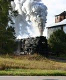 De locomotief en de lift van de stoom Stock Fotografie