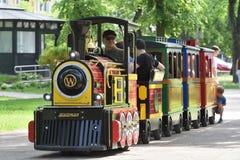 De locomotief van de de zomeraantrekkelijkheid van kinderen royalty-vrije stock foto's