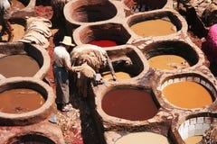 De looierijen van de huid in medina Fess Stock Afbeeldingen