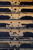 De loopvlakken van de bulldozer met zand Royalty-vrije Stock Fotografie