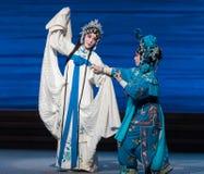 """De lot-zevende de handelingsdesintegratie van Bai Suzhen van familie-Kunqu Opera""""Madame Witte Snake† Stock Afbeeldingen"""