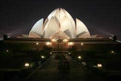 De lotusbloemtempel van Bahai bij nacht in Delhi Stock Fotografie