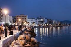 De Loutrakidijk steekt omhoog laat bij nacht aan Royalty-vrije Stock Fotografie