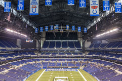 De Lucas Oil Stadium baixa dentro de Indianapolis, Indiana Imagens de Stock Royalty Free