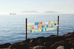 De lucht baloons op Marmara ziet kust Stock Foto's