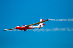 De lucht toont ultra licht vliegtuig Stock Foto's