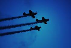 De lucht toont vliegtuigen bij nacht Royalty-vrije Stock Foto