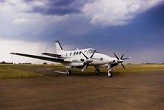 De Lucht van de Koning van Beechcraft E90 - Volledige Vliegtuigen stock foto