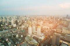 De lucht van de de stadshorizon van meningsbangkok centrale zaken van de binnenstad Royalty-vrije Stock Foto