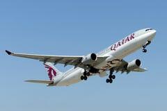 De Luchtbus A330-302 van a7-AEN Qatar Airways Stock Foto's