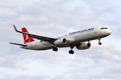 De Luchtbus van Turkish Airlines A321 Stock Afbeeldingen
