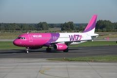 De Luchtbus van Wizzair A320 Royalty-vrije Stock Afbeelding
