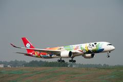 De Luchtbus A350 XWB van Sichuan Airlines ` eerste royalty-vrije stock afbeeldingen