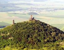 De luchtfoto van Hazmburk Stock Afbeelding