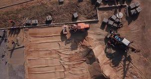 De luchtfotografie van de wegreparatie met hommel Hoogste mening stock footage