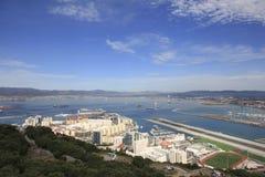 De Luchthaven en de Haven van Gibraltar Stock Afbeeldingen