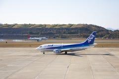 19 de Luchthaven Nagasaki van Dec 2015 japan JAL JA211J en ANA JA301K a Royalty-vrije Stock Afbeelding