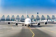 De Luchthaven van de Luchtbusdoubai van emiraten stock afbeeldingen