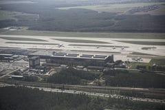 De luchthaven van Domodedovo Mening van de luchthaven van de vliegtuigen royalty-vrije stock foto's