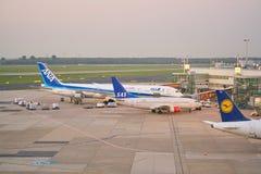 De Luchthaven van Dusseldorf stock fotografie