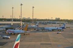 De Luchthaven van Dusseldorf stock foto's