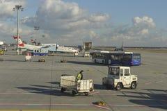 De Luchthaven van Frankfurt, die bij BuitenPosities inscheept royalty-vrije stock fotografie