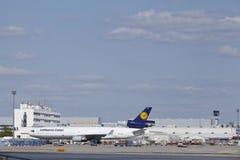De Luchthaven van Frankfurt (Duitsland) - Ladingsgebied stock foto's
