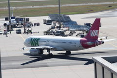 Vliegtuigen bij de Luchthaven van Frankfurt royalty-vrije stock afbeelding
