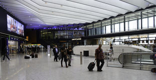 De Luchthaven van Heathrow - Terminal 2 Stock Afbeeldingen
