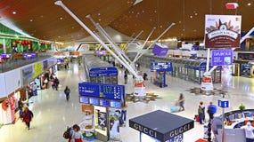 De luchthaven van Kuala Lumpur van de doorgangszitkamer, Maleisië Stock Foto