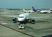 De Luchthaven van Singapore van het vliegtuig Stock Foto