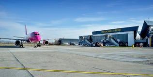 De Luchthaven van Târgumureè™ Transilvania  Royalty-vrije Stock Foto