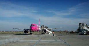 De Luchthaven van Târgumureè™ Transilvania  Stock Afbeelding