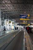 De Luchthaventerminal van Brussel Stock Afbeeldingen