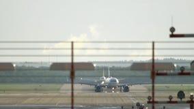 De luchthavenverkeer van Dusseldorf stock footage
