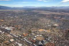 De luchtmening die van Tucson, Arizona zuidoosten kijken stock afbeelding