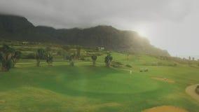 De luchtmening van de golfcursus stock footage