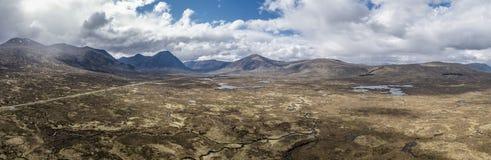 De luchtmening van het verbazende landschap van Rannoch legt naar Buachaillie Etive Mor vast Stock Fotografie