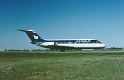 De Luchtroutes Douglas die gelijkstroom-9-14 van de republiek na een vlucht van Detroit tot Minneapolis landen stock foto