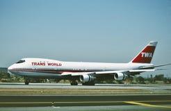 De Luchtroutes Douglas die gelijkstroom-9-14 van de republiek na een vlucht van Detroit tot Minneapolis landen royalty-vrije stock afbeelding