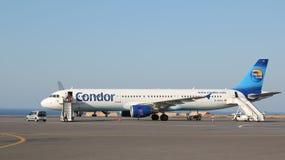 De luchtvaartlijnenstraal van condorthomas cook stock fotografie