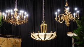 de luxe geleide aanstekende lamp van de kaarskroonluchter stock afbeelding
