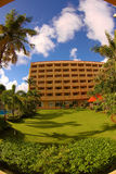 De luxehotels worden gevestigd langs het strand Royalty-vrije Stock Foto